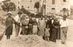 1927 - La famiglia a lavoro sui campi